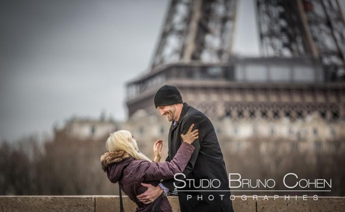 Proposal in Paris – Hidden photographs near the Eiffel Tower