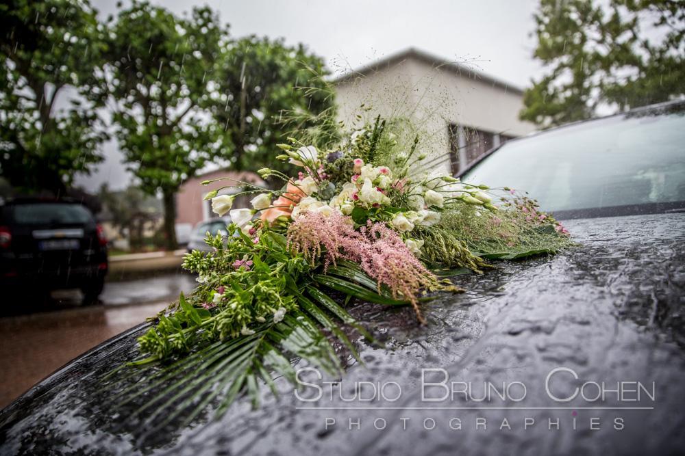 decoration florale sur la voiture