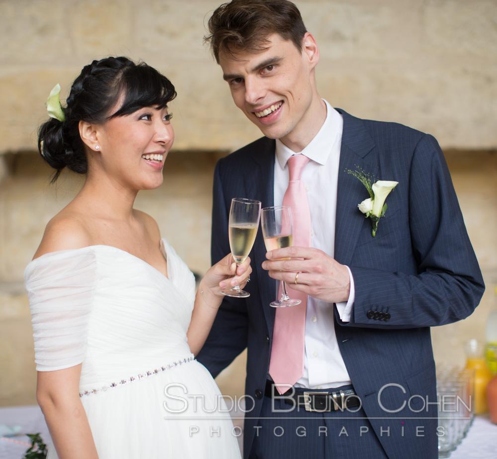 maries qui trinquent au champagne