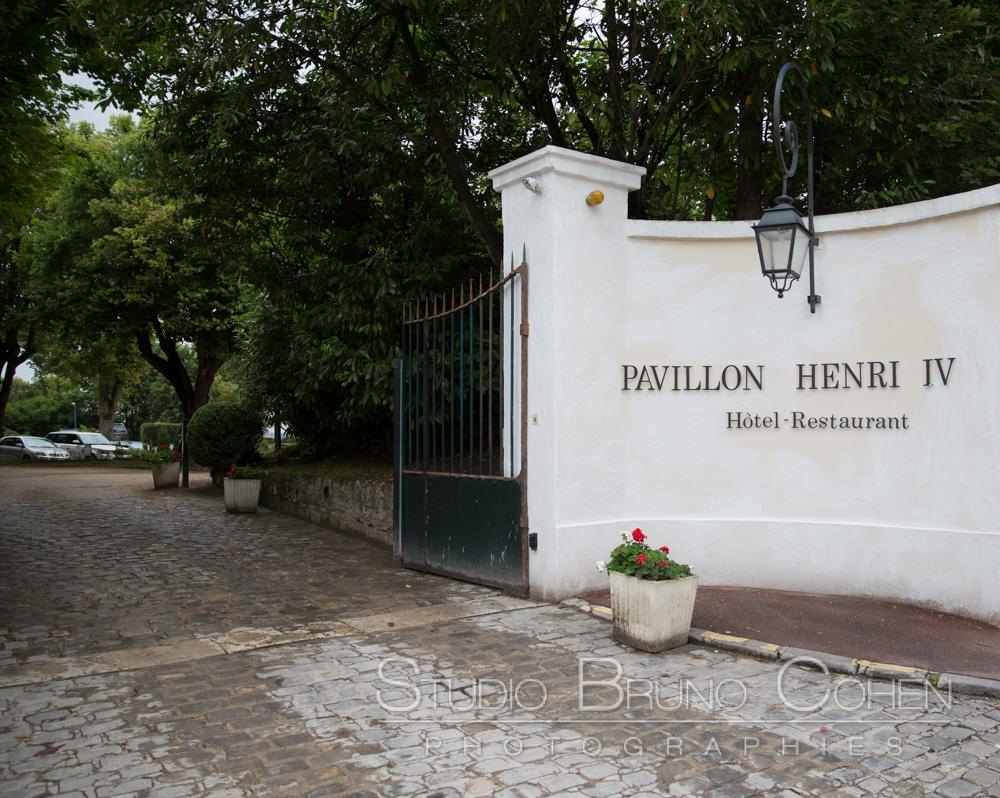 facade et entree pavillon henry IV hotel restaurant