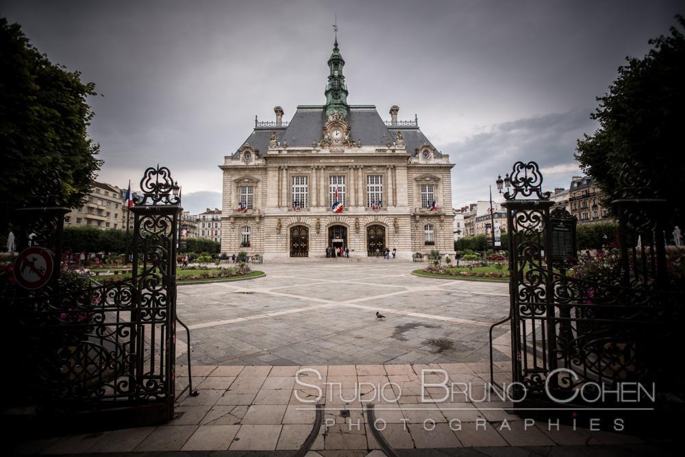 facade de la mairie de levallois perret