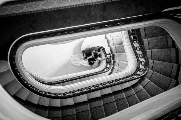 maries pris de haut des escaliers