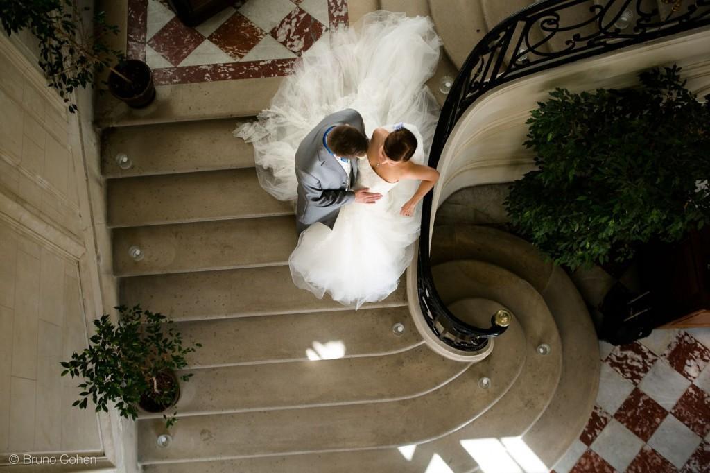 portrait des maries dans l'escalier principal de chateau d'ermenonville