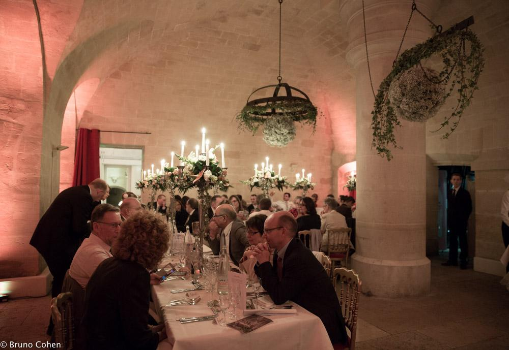 diner dans la salle de reception de la capitainerie du chateau de chantilly