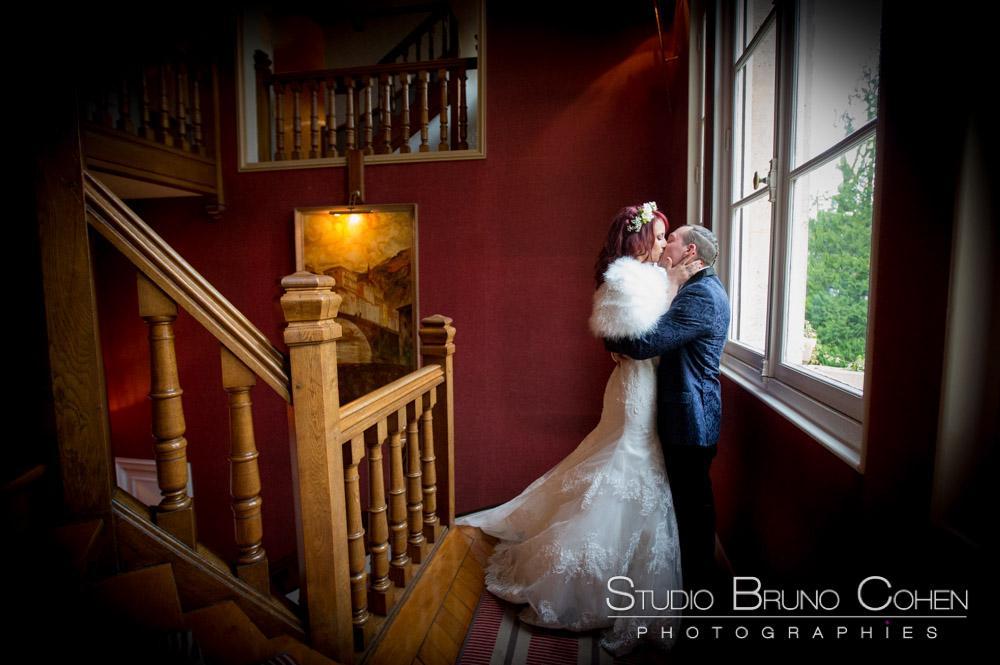 maries dans les escaliers principaux du chateau