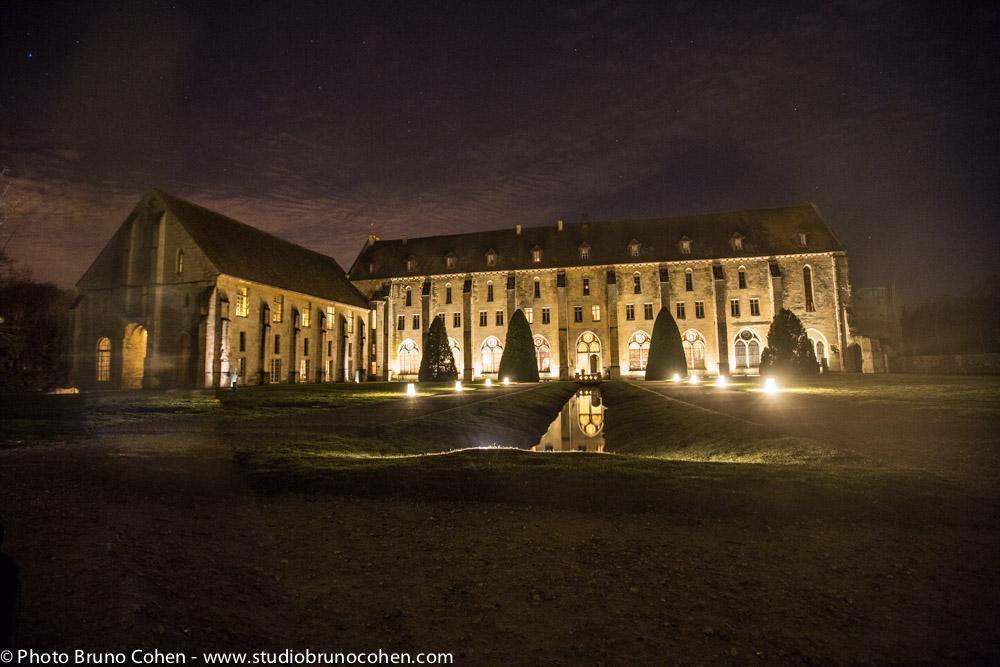 l'abbaye de royaumont dans la soiree