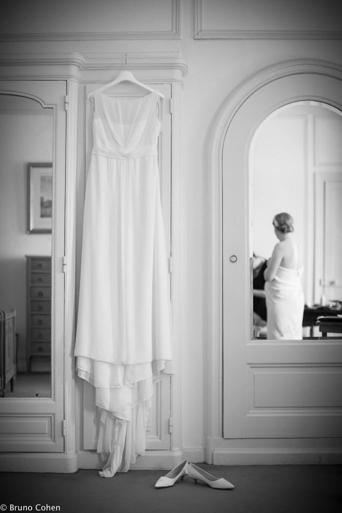robe de la mariee accrochee