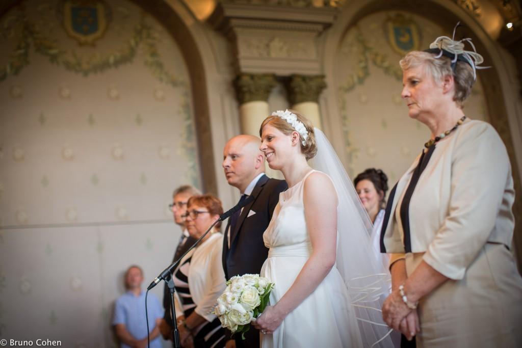 les maries lors de la ceremonie civile