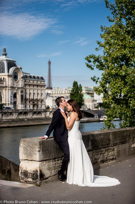 mariage-portrait-hotel-brighton-tuileries-couple-maries-paris-tour-eiffel