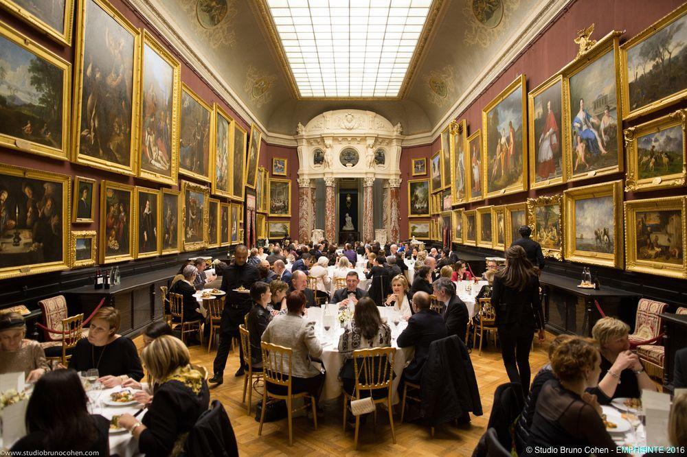 diner dans la galerie du chateau de chantilly