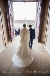 mariage-photographie-chateau-de-chantilly-maries-couple-mairie