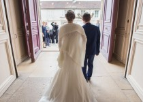 mariage-photographie-chateau-de-chantilly-maries-couple-mairie
