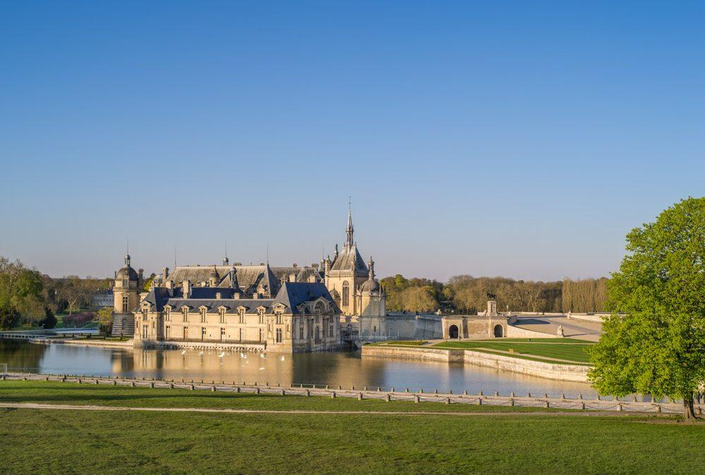 Domaine de Chantilly au soleil couchant