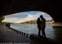 proposal-in-paris-engagement-photographer-bridge