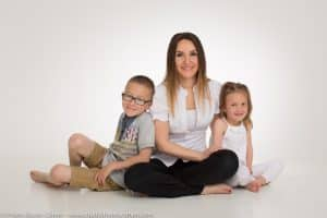 photographe-studio-shooting-enfant-seance-photo-mere-famille