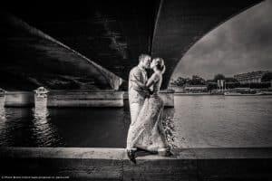 proposal-engagement-photographe-paris-bridge