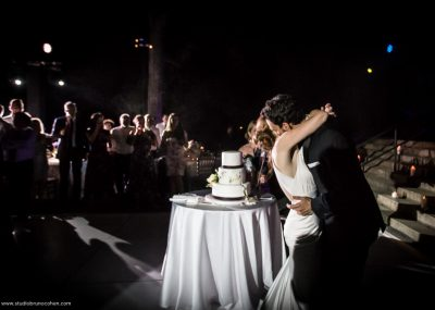 mariage-new-york-jardin-botanique-couple-maries-piece-montee