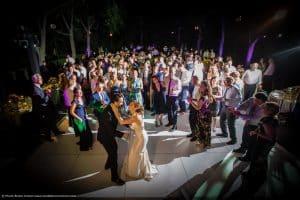 mariage-new-york-jardin-botanique-couple-maries-danse-soiree