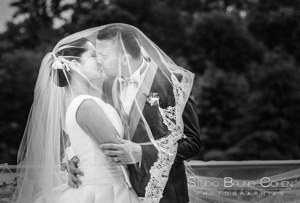 mariage-hotel-mercure-chantilly-photo-couple-baiser-voile