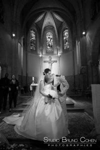 mariage-chantilly-mercure-ceremonie-religieuse-eglise-couple-emotions