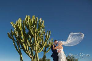 mariage-perou-amerique-du-sud-couple-baiser-etranger-proposal-cactus
