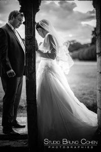 mariage-abbaye-de-chaalis-ruine-couple-photo