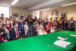 mariage-abbaye-chaalis-barbery-mairie-couple-maries-invités