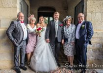 mariage-oise-barberabbaye-chaalis-invites-groupe-parents-mariés-ceremonie-religieuse