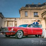 mariage-chateau-hotel-tiara-montroyal-chantilly-oise-senlis-couple-baiser-voiture-luxe-collection