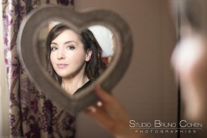 mariage-preparatif-mariée-miroir-coeur-amour