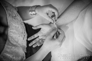 mariage-ferme-du-haut-cramoisy-oise-preparatif-robe-mariee