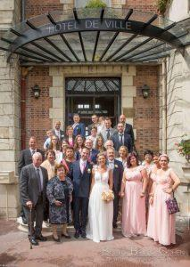 mariage-claye-souilly-prieure-vernelle-mairie-groupe-invites-maries-famille