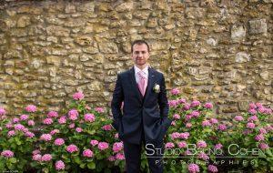 mariage-claye-souilly-prieure-vernelle-homme-mari-fleurs-rose
