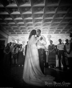 mariage-chateau-de-la-tour-chantilly-gouvieux-premiere-danse-couple-invités