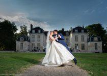 mariage-chateau-'auvillers-mariés-couple-baiser-parc