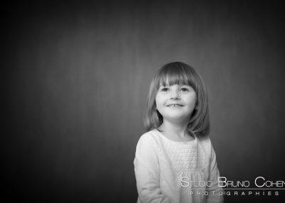 enfant, noir, blanc, famille, studio, sourire