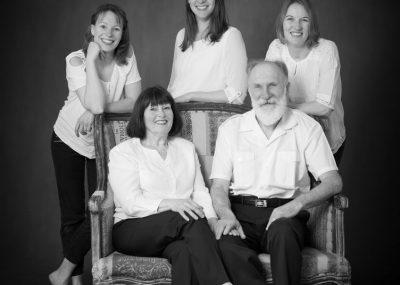 famile, noir, blanc, soeurs, parents, portrait, studio