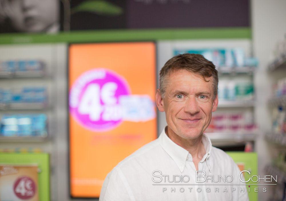 societe-reportage-entreprise-pharmacie-trois-rois-medicament-portrait-corporate-professionnel