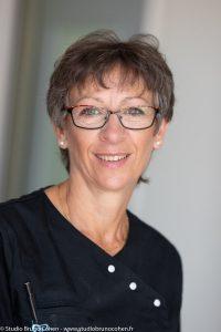 reportage-entreprise-portrait-corporate-femme-dentiste-cabinet-dentaire