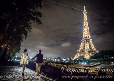 paris-demande-en-mariage-tour-eiffel-couple-proposal