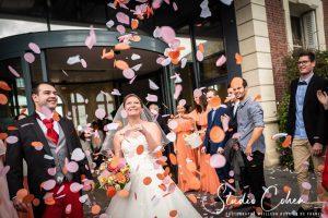mariage-noisy-le-grand-mairie-pluie-confettis-sortie