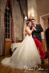 mariage-couple-mariés-chateau-de-la-tour-chantilly
