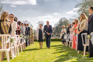 mariage-chateau-ermenonville-groupe-invités-ceremonie-laique