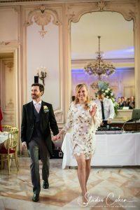 mariage-chateau-ermenonville-ceremonie-laique-couple-arrivée