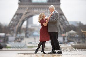 paris-demande-en-mariage-proposal-couple-tour-eiffel