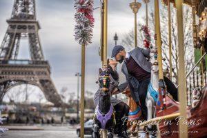 paris-demande-en-mariage-couple-baiser-tour-eiffel-proposal