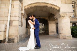 mariage-mairie-vincennes-baiser-couple