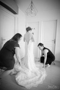 mariage-habillage mariée noir et blanc la-bastide-oise-noir et blanc