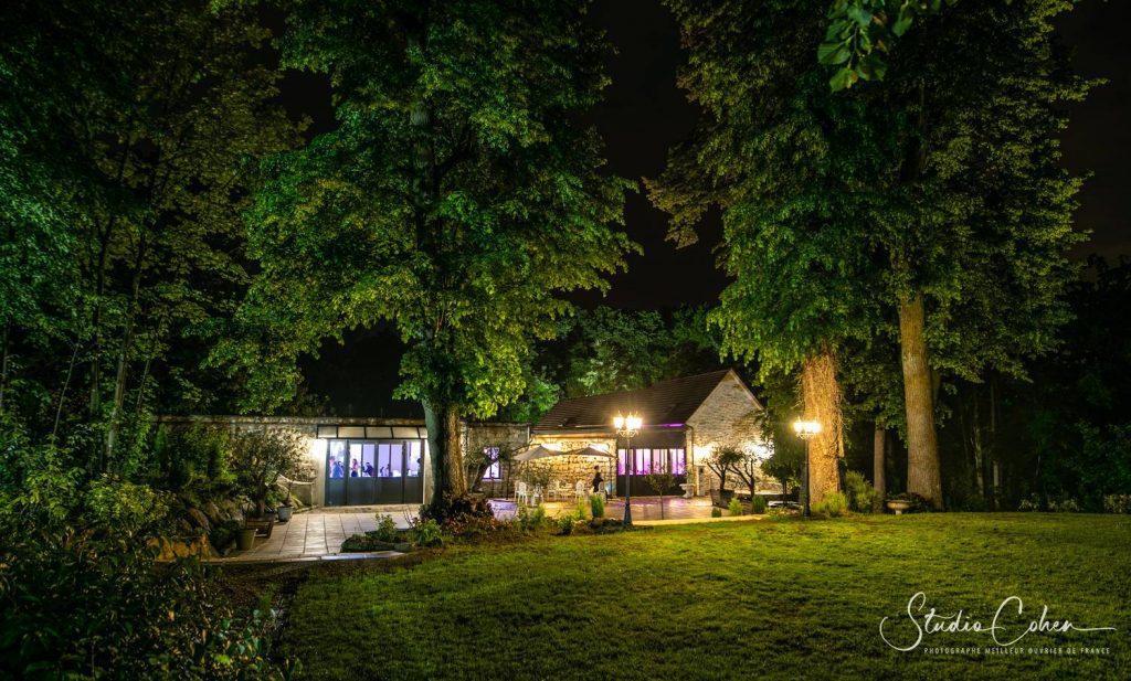 La bastide salle de reception à Méry sur Oise, la nuit